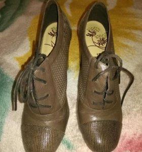 Закрытые туфли Munz 38 размер