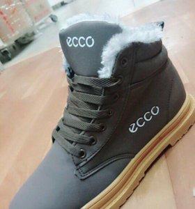 Новые ботинки 40