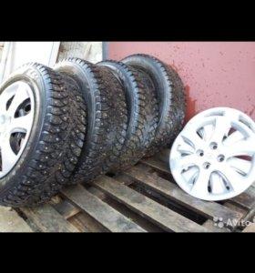 Продам зимние  колеса в сборе Нордман4 185/65R15