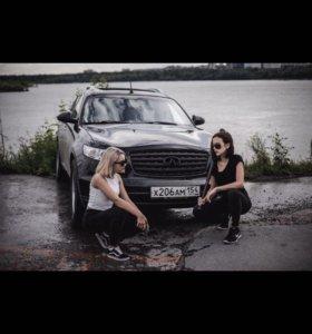 Фотосессия с машиной Infiniti. Фотограф