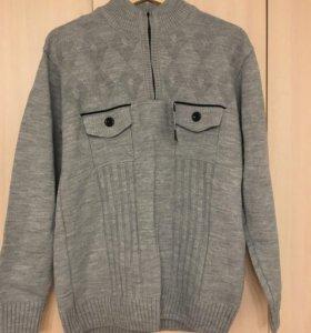Мужской свитер новый