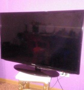 LED телевизор UE40EH5050