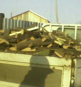 Продам колотые сухие дрова машына двух тоник с дос