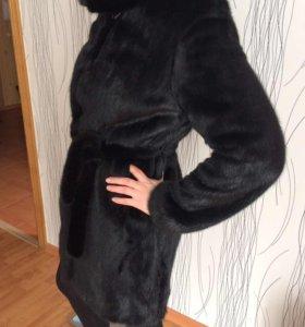 Черная норковая шуба с капюшоном