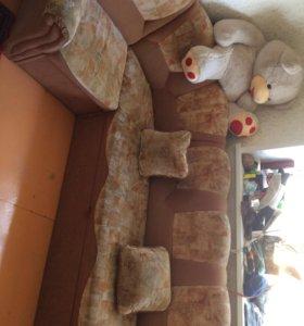 Диван и диванчик (можно все по отдельности)