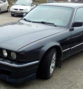 бмв 750 IL 1993 г 5литров v12 лошадей 325