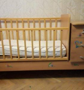 Детская кровать-трансформер с поперечны маятником.