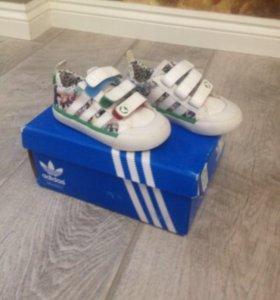 Кроссовки Adidas 21