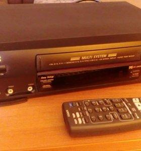 Кассетный видеомагнитофон JVC HR-J260EE