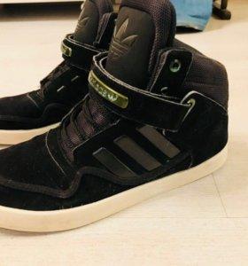 Демисезонные/зимнии кроссовки Adidas