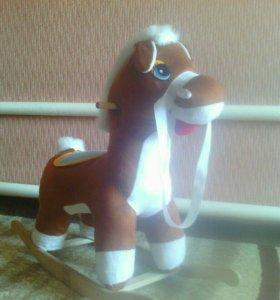 Продам лошадь качалка