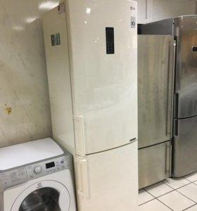 Двухкамерный холодильник LG цвет бежевый