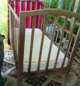 Детская кроватка-маятник с ортопедическим матрасом