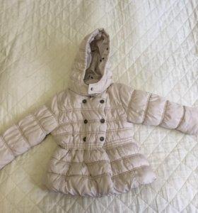 Продается демисезонная куртка для девочки.
