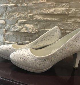 Новые свадебные туфли,38 размер