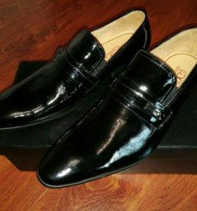Туфли мужские лакированные