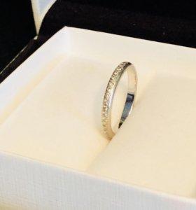 Кольцо с бриллиантами 16 р-р