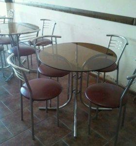Столы и стулья,,в хорошем состоянии,.