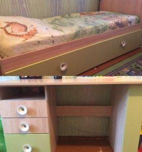 Кровать+матрас+стол+полка