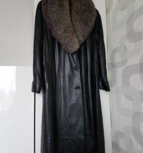 Пальто кожаное утепленное