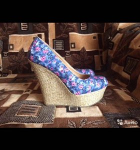 Новая пара обуви
