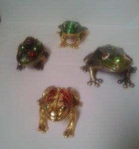Коллекция лягушек шкатулка со стразами + подарок