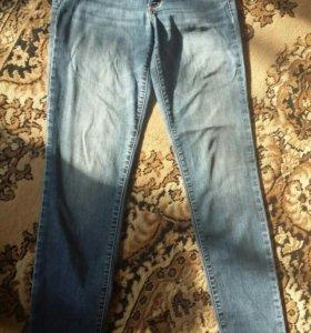 Продам джинсы на 44 размер