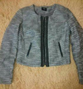 Жакет и два пиджака