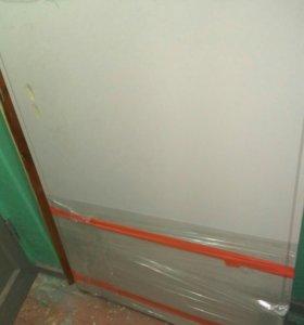 Продам железную противопожарную дверь