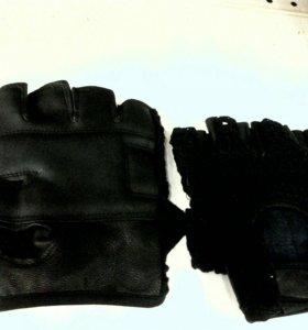 Перчатки для спортаНовые
