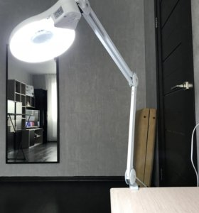 Лампа косметическая с увеличением