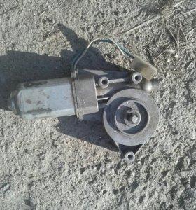 Мотор стеклоподьемника