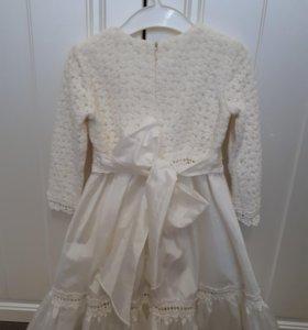 Платье для девочки на 2-4года.