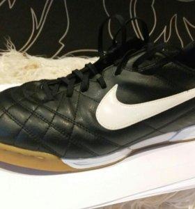 Бутсы Nike (футзалки)