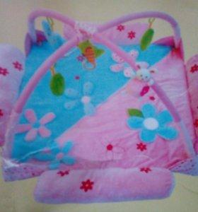 Развивающий коврик для девочки.