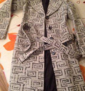Новое пальто, р.40-42