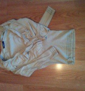 Бежевая блуза с рюшами
