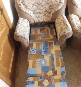 Диван и кресло -кровать