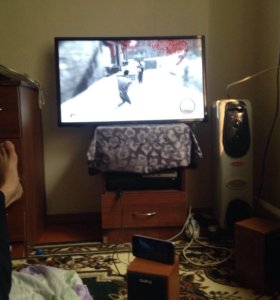 Телевизор новый ббк и плэстейшн 3 новый