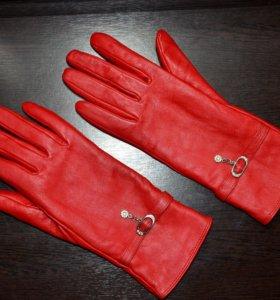 Перчатки натуральная кожа красные новые