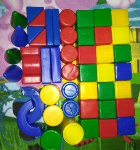 Кубики пластмассовые