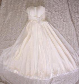 Платье цвета Ivory