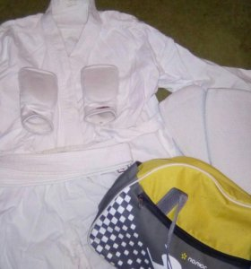 Кимано с защитой на руки и ноги + пояс для девочки