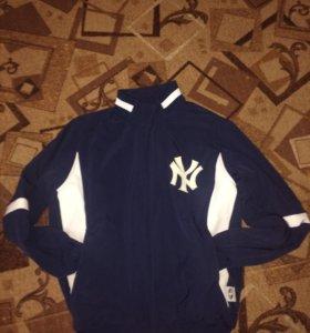Продам куртку-бомбер New York.