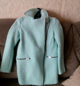 Пальто новое 44 р