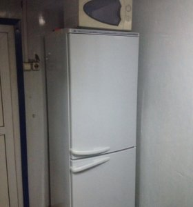 Холодильник Атлант, 2-х камерный.