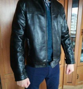 Куртка мужская, размер S.