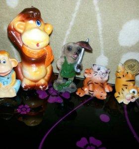 Игрушки мелкие статуэтки. Сувениры