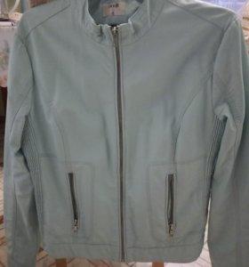 Куртка женская кож.зам.в отличном состоянии