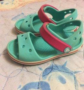 Продам сандалии Crocs, оригинальные